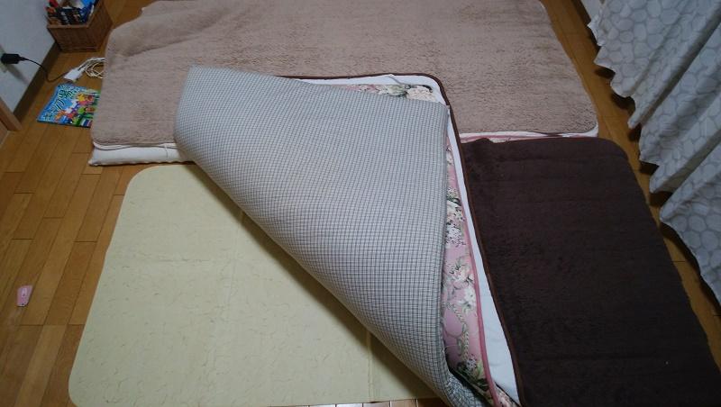 布団の下に敷いた除湿シート