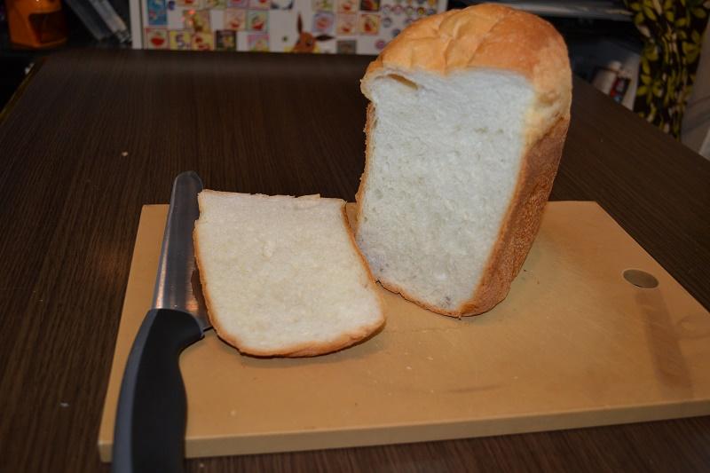 焼きたてパンを切ってみました
