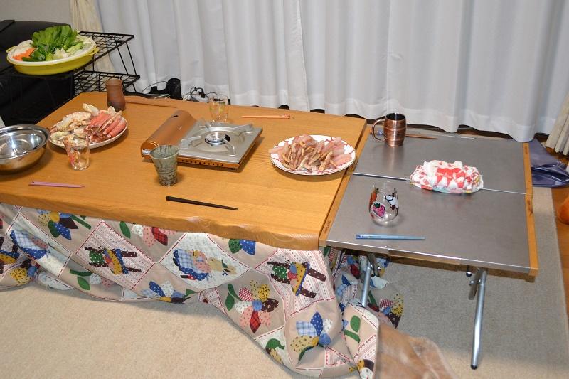 焚火テーブルで実家のテーブルを延長①