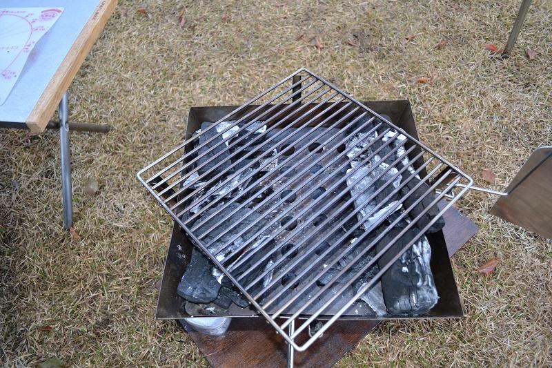 炭火の配置はこんな感じで