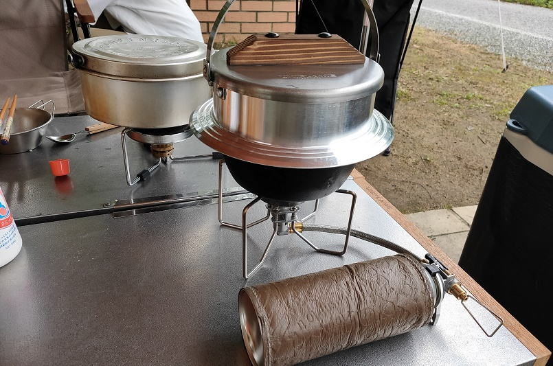 ピラフの炊飯はガスでしました