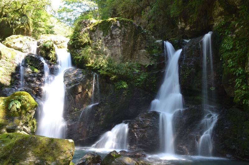 連連泊キャンプなら周辺の観光も楽しい 轟の滝・二重の滝