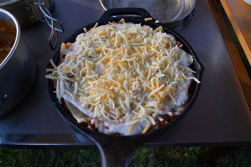 最後にチーズとパン粉をかける