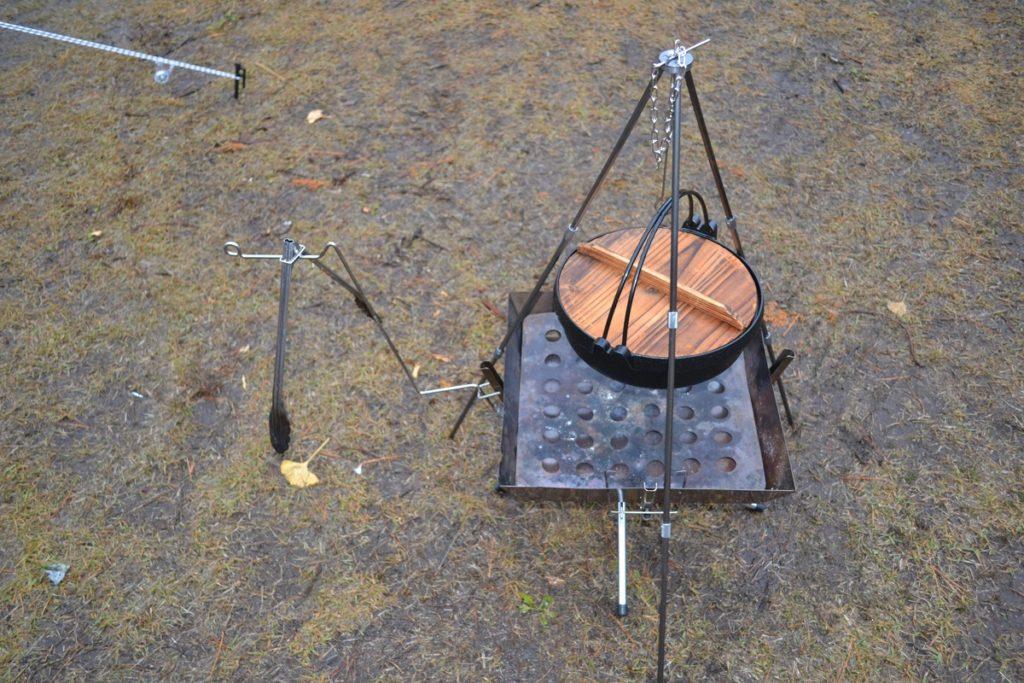 すき焼き鍋を吊るしてみた miniトライポッド