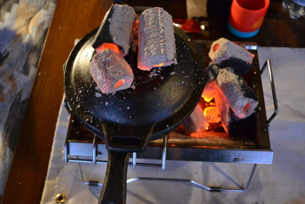 ミラノ風ドリアは炭火で仕上げる