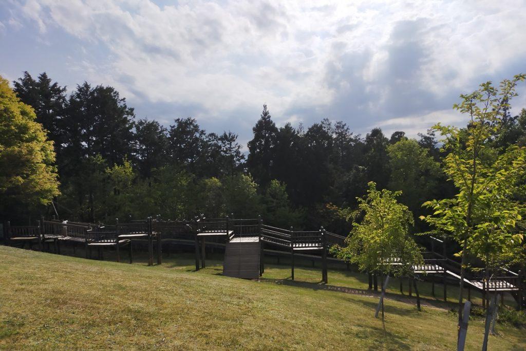 大きなアスレチックが有るかぶと山公園キャンプ場