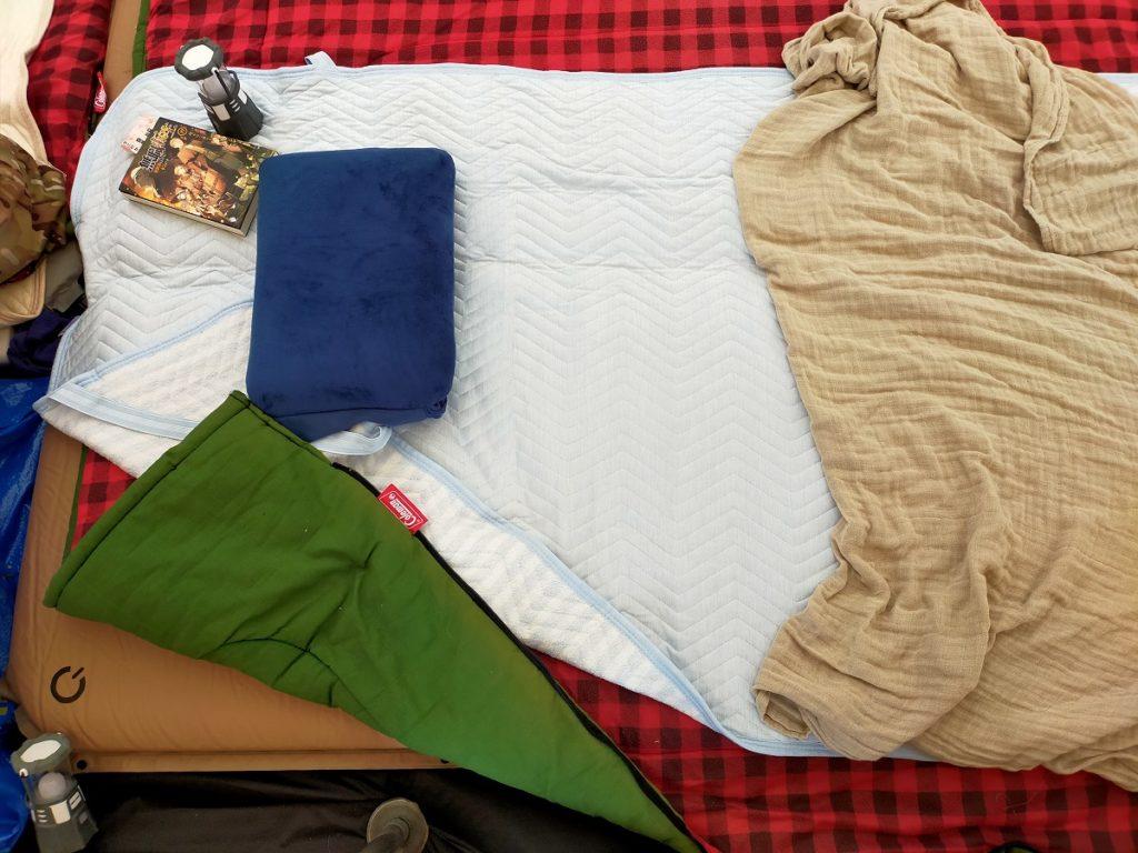 夏キャンプの寝床