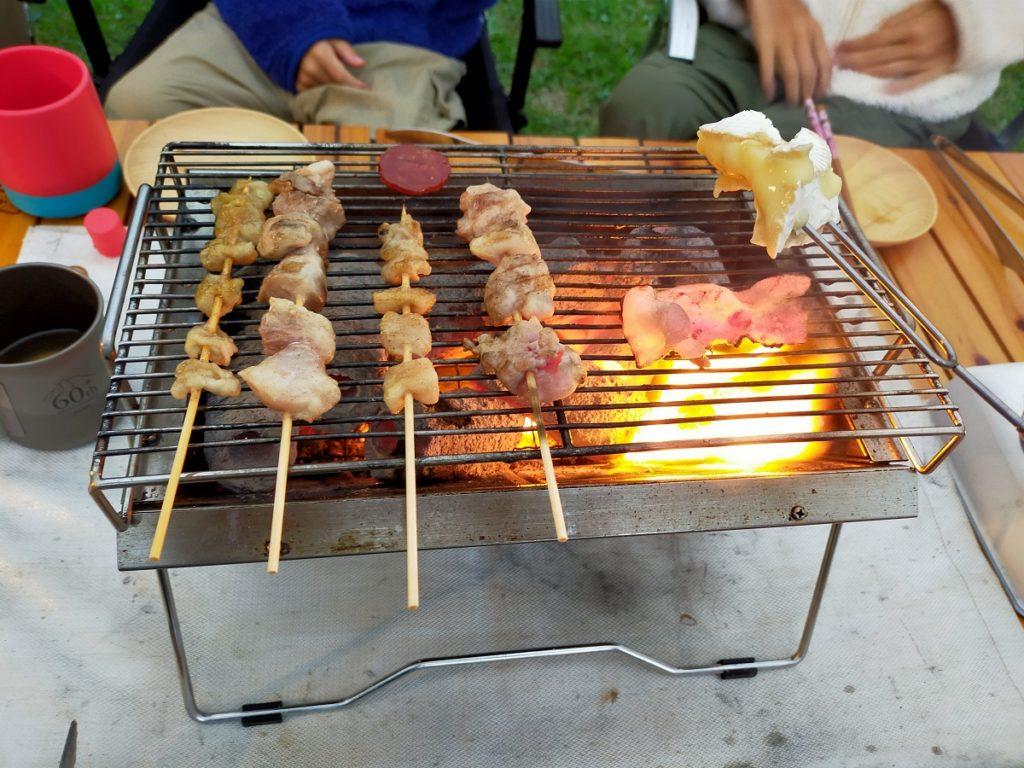 ユニセラで焼き鳥を焼いていきます